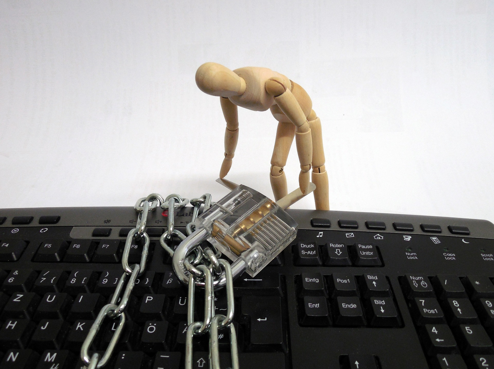 SMB-Cybersecurity-with-Connected-UTM.jpg